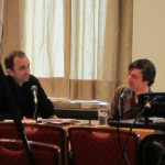 Lars von Törne (links) im routinierten Gespräch mit Luke Pearson (rechts)
