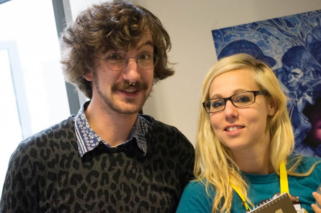 Links der Preisträger des Kurt-Schalker-Preises für grafisches Blogen; Pete, daneben die Gewinnerin vom letzten Jahr, Schlogger.