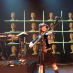 Lindsey Stirling im virtuellen Duett mit Peter Hollens